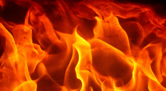 मुगुमा आगलागी हुदा ५ घर जलेर नष्ट , एक महिलाको हात जल्यो ।।