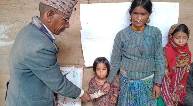 किर्डाक नेपाल र युनिसेफ नेपालको आर्थिक सहयोगमा अदानचुली १ का ३ जना बालबालीकालाई आर्थिक सहयोग